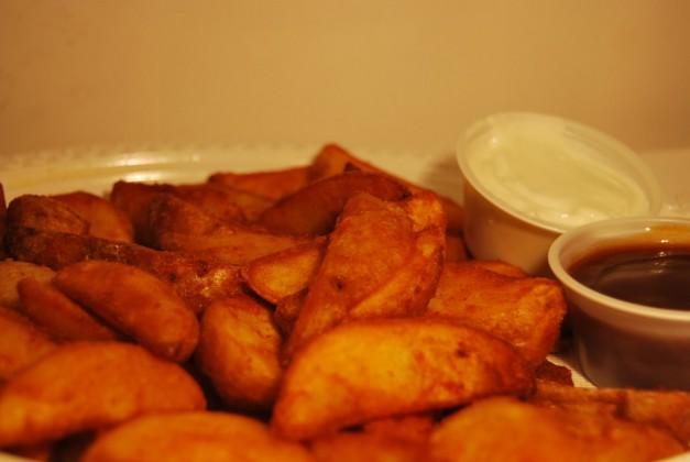 Patatas Luxes con Dos Salsas